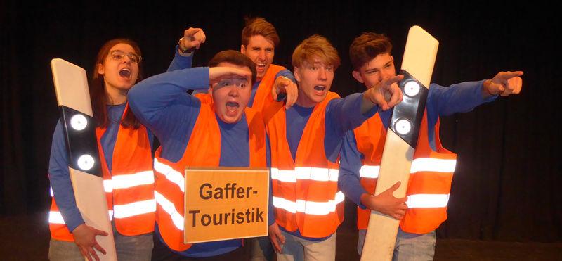 Szenenbild Literaturkurs HGH 'Gaffer-Touristik' 1